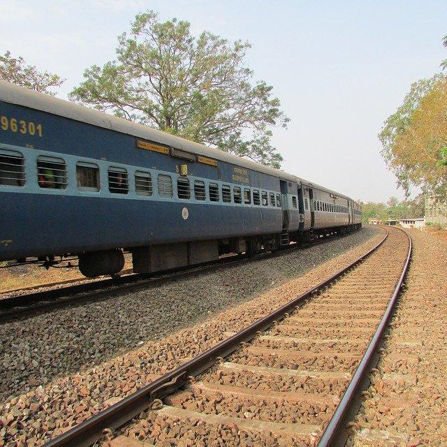 Delhi to Agra Train Timing